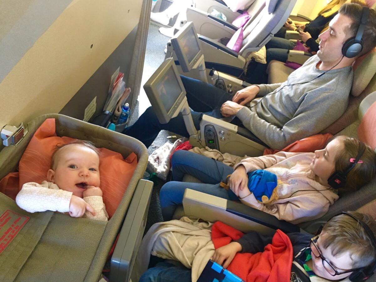 guide till att resa med bebis baby spädbarn