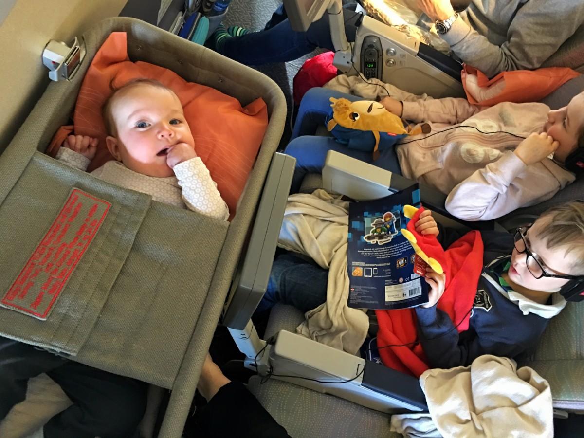 10 tips när du ska flyga med en 2 åring – Liniz Travel