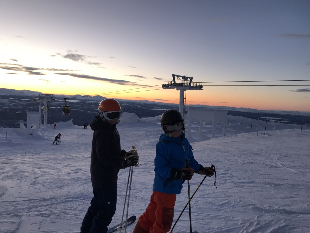 lära barn åka skidor