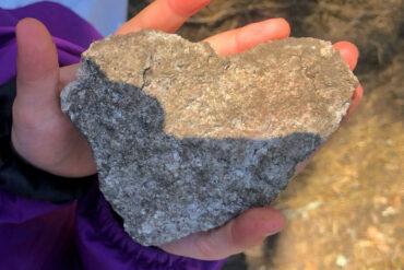 vandra med barn nackareservatet sten hjärta