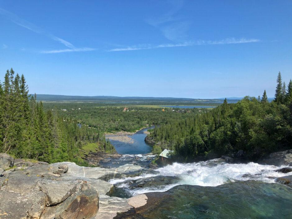 handöl handölsforsen hängbro vattenfall i Åre