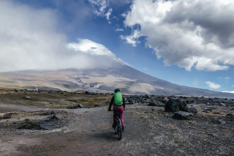 Utflykt Cotopaxi vandring mountainbike Ecuador