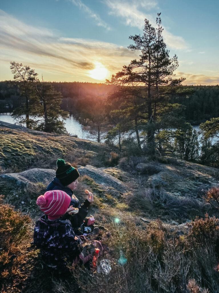 familj barn nackareservatet nacka picknick skog