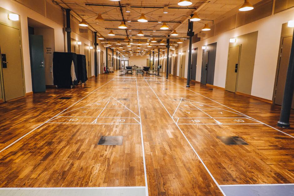att göra på Nääs fabriker shuffleboard